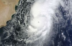 Cyclone Nilofar due to slam into India, Pakistan
