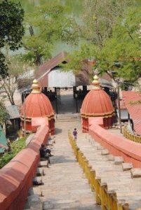 Hajo: temple Hayagriva Madhab lieu de pélerinage pour boudhistes hindous et musulmans
