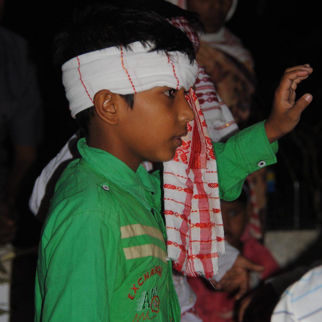 Enfant dansant pour le Bihu
